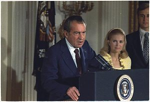 Nixon_Farewell